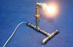 Lampa, zostało mi trochę części po remoncie.... i wyszła z tego lampa....