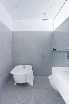 la shed bathroom
