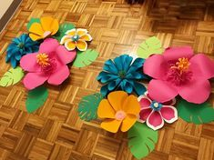 Here it is!! How Fabulous are these tropical flowers, love how they came together Email me or DM me for Inquiries! #bringingideastolife #natureintopaper #moana #hawaiiready #beautifulcolors #diy #paperflowers #madebyhand #withlove #bloominglifedesign