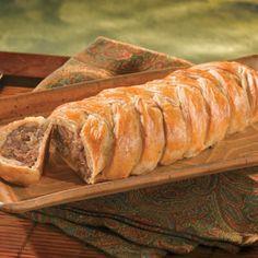 Virslivel és gombával töltött tészta. Hihetetlenül egyszerű és nem mellesleg mutatós. Ebédre vagy vacsorára, melegen vagy akár hidegen.