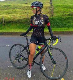 miss augustus 2016 | Wilier @ Italiaanse Racefietsen | fit bike girl                             www.italiaanseracefietsen.com
