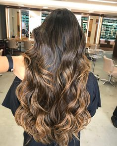 28 Ideas Hair Color Ideas For Brunettes For Fall Balayage Natural For 2019 Light Hair, Dark Hair, Cabello Hair, Hair Color Balayage, Fall Balayage, Beautiful Long Hair, Brunette Hair, Hair Videos, Hair Colors