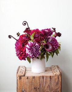 Summer arrangement: Bouquet of eye-catching fuchsia blooms {PHOTO: Janis Nicolay}