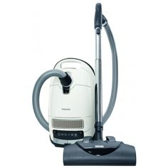 Pet owners usually have a hard time finding a good canister vacuum cleaner that can remove all the hair and dander their animals leave all over the home. Few such appliances are specially designed to complete this kind of cleaning job. However, Miele is one of the manufacturers that do not overlook pet owners, so they released the Complete C3 Cat & Dog canister vacuum especially for this niche of customers.