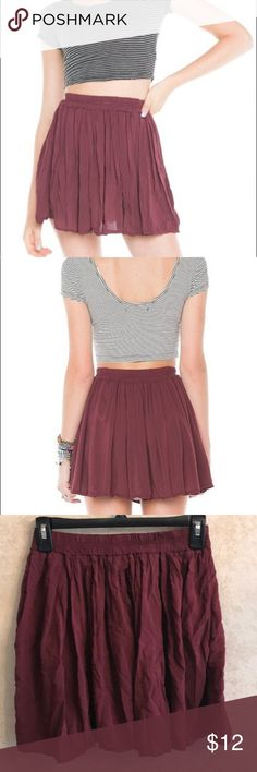 Brandy Melville Sylvia Skirt -Never Worn -No holes or stains -Elastic waist band -Length of the skirt is about 16 inches -Please leave a comment if you have questions in regard to this product. Thank you! Brandy Melville Skirts Mini