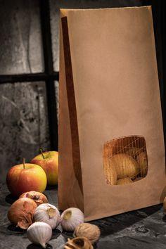 Für Frischluft-Liebhaber. Ob Kartoffeln, Äpfel, Knoblauch oder Zwiebel - speziell für diese Früchtchen gibt's bei ETIVERA extra starke Blockbodenbeutel aus Papier. Das Sisalnetz-Fenster macht den Beutel atmungsaktiv. Paper Shopping Bag, Painting, Paper, Wrapping, Onions, Garlic, Potato, Windows, Get Tan