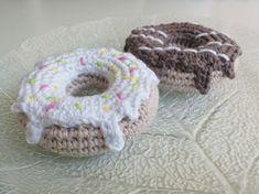 LiteVirkning - Virkade Munkar med mönster (crochet)