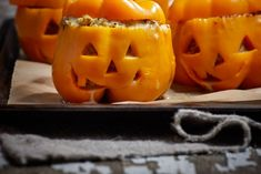 Ces délicieux poivrons vont ajouter plus de plaisir et d'amusement à votre Halloween! Votre famille et vos amis voudront crier pour en avoir plus.