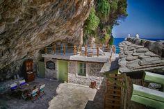 Η εντυπωσιακή μεταμόρφωση μιας σπηλιάς στο Πήλιο σε υπέροχη κατοικία!