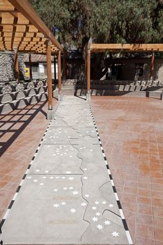Museo Gabriela Mistral, Vicuña. Chile, Sidewalk, Places, Museums, Cute, Lugares, Chili Powder, Chilis, Pavement