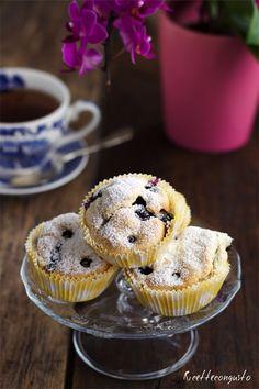 Muffin agli albumi con mirtilli e gocce di cioccolato Muffins, Yummy Food, Favorite Recipes, Chocolate, Eat, Cooking, Breakfast, Sweet Tooth, Group