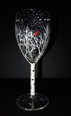 40 Creative Wine Glass Painting Ideas – Source by vinopleasebrand Christmas Wine Glasses, Diy Wine Glasses, Hand Painted Wine Glasses, Painting On Wine Glasses, Wine Glass Crafts, Wine Craft, Wine Bottle Crafts, Wine Bottles, Wine Decanter
