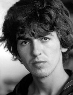 George Harrison - (Nació: Liverpool, Inglaterra, Reino Unido, 25 de febrero de 1943 - Murio: Los Ángeles, Estados Unidos, 29 de noviembre de 2001) Cancer Pulmonar