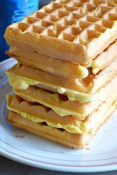 Light waffles When Nad cooks No Dairy Recipes, Sweet Recipes, Baking Recipes, Cake Recipes, My Favorite Food, Favorite Recipes, Bubble Waffle, Pancakes And Waffles, Recipes