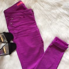Shop Women's size Skinny at a discounted price at Poshmark. Size 🚫NO TRADES🚫. Purple Jeans, Fashion Tips, Fashion Design, Fashion Trends, Skinny Jeans, Outfits, Collection, Things To Sell, Style