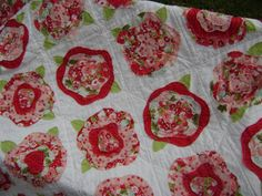 I really love the French Roses pattern & want to make one someday - I have the pattern... somewhere...
