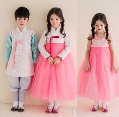 한복 hanbok : korean traditional clothes dress 한 Korean Traditional, Traditional Fashion, Traditional Dresses, Korean Dress, Korean Outfits, Dress Attire, Dress Outfits, Korean Fashion, Kids Fashion