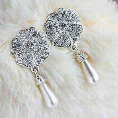 2013 nova versão coreana do total de cinco folhas da flor de diamante brincos brincos de pérola E560