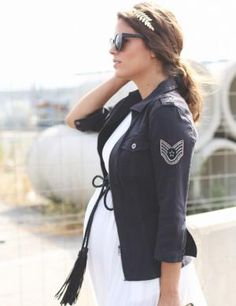 Seams for a desire Cazadora militar Spring Maternity, Cute Maternity Outfits, Pregnancy Outfits, Maternity Wear, Maternity Fashion, Jessie Chanes, Pregnancy Looks, Pregnancy Style, Leather Baby Shoes