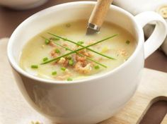 Chicory soup with shrimps Love Food, A Food, Food And Drink, Healthy Soup, Healthy Recipes, Tapas, Celerie Rave, Food Inspiration, Soup Recipes