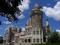 Casa Loma is the former estate of Sir Henry Mill Pellatt, a Toronto financier, industrialist and military man. Casa Loma is located at One Austin Terrace near the corner of Davenport Rd. and Spadina Ave. Canada Tourism, Canada Travel, Go Spot, Toronto Architecture, Best Flight Deals, Toronto City, Book Cheap Flights, Vacation Spots, Places To Travel