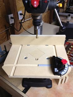 "Woodworking Jigs Built a bigger and better ""Drill Press Table. Awesome Woodworking Ideas, Woodworking Workbench, Woodworking Workshop, Woodworking Furniture, Fine Woodworking, Woodworking Crafts, Woodworking Patterns, Popular Woodworking, Workbench Height"