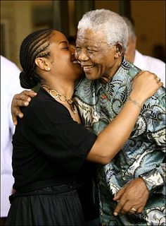 Remembering Nelson Mandela, South Africa's first black president Laila Ali, Mohamed Ali, First Black President, Former President, Nelson Mandela Foundation, University Of The Witwatersrand, African American Literature, Ebony Love, Black Presidents