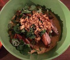 Lie Mi Töölö is a small yummy Korean Restaurant on Runeberginkatu 56 in #Helsinki  A really delicious dish with many spices crispy duck green peppers spring onion and fresh coriander #liemi #nbefinland #danishadventurer