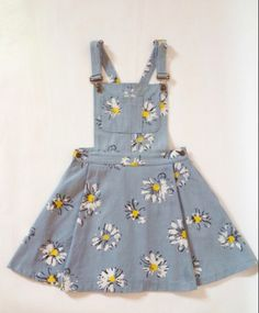 Dress: sunflower, daises, overalls, denim overall dress, skirt . Pretty Outfits, Cool Outfits, Summer Outfits, Summer Dresses, Cute Overall Outfits, Cute Fashion, Vintage Fashion, Fashion Outfits, Fashion Kids