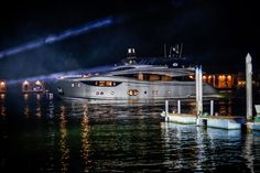 The stunning #MonteCarloYachts 105 premiered over the weekend in Venice and here are photos of her being revealed! #MCY #yacht #luxury #classic #classics #elegant #elegance #simplicity #madeinitaly #MCY105