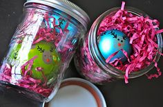 cute packaging for ornaments in mason jars!