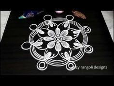 Kolam or muggu is a ancient art form of India which is very popular. Kolam is also called as Rangoli in parts of India. women create different kolam or rango. Indian Rangoli, Simple Rangoli, Art Forms Of India, Padi Kolam, Rangoli Kolam Designs, Form Design, Summer Crafts, Ancient Art, Creative Art