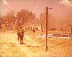 South African paratroopers after the Battle of Cassinga 1978 Airborne Ranger, Defence Force, Paratrooper, High Quality Images, South Africa, Countries, Weapons, Battle, Sad
