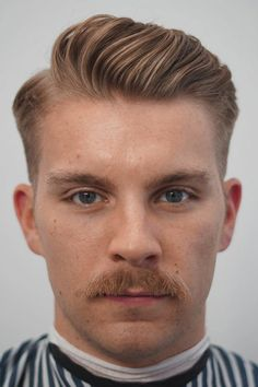 mens hairstyles: Best Ivy League Haircuts for Men 2019 Side Part Haircut, Side Part Hairstyles, Mens Comb Over Hairstyles, Classic Mens Hairstyles, Hairstyles Haircuts, Hair And Beard Styles, Curly Hair Styles, Peaky Blinder Haircut, Hairstyle App