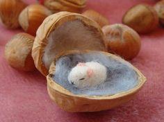 walnut shells crafts - Buscar con Google