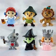the oz toys are back at Mcdonalds....going to buy some today for Ash's cake topper :)