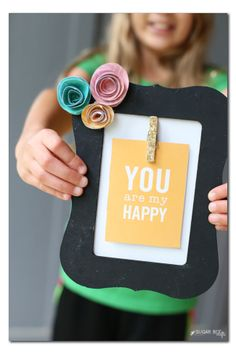 Make your own DIY Inspirational Interchangeable Frame!