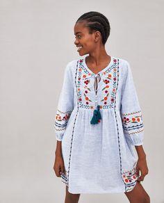 a2244d7b5eb3 Billede 4 af STRIBET TUNIKA MED BRODERI OG KVASTER fra Zara Indiske  Designer Slid
