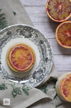 Bizcochitos de Naranja Sanguina y Almendra | CON HARINA EN MIS ZAPATOS Grapefruit, Food, Crack Cake, Pies, Food Recipes, Shoes, Meal, Essen