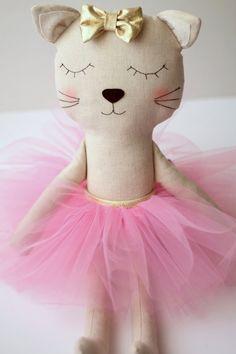 Made to Order: Cat ballerina in a pink tutu and a golden por blita