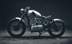 Royal Enfield Bullet Bobber by Fahim #motorcycles #bobber #motos | caferacerpasion.com