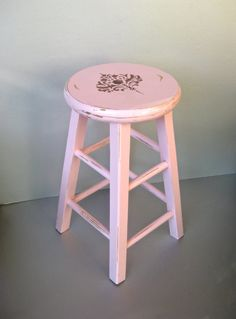 Old Pink Stool Vintage Stool Shabby Cottage Farmhouse...seeing this I'm so tempted!