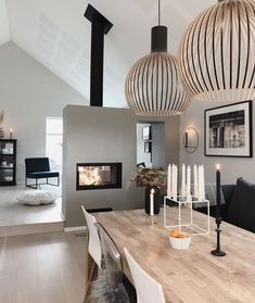 Below are the Home Design Ideas Interior. This article about Home Design Ideas Interior was posted under the Home Design … Luxury Dining Room, Beautiful Dining Rooms, Dining Room Design, Dining Room Lighting, Dining Decor, Kitchen Dining, Dining Table, Interior Simple, Luxury Interior Design