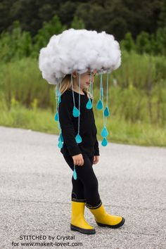 Make a quick & easy RAIN CLOUD COSTUME…Diy kids dress up, would be great to make togehter. tha base is simply a hat! Make a quick & easy RAIN CLOUD COSTUME…Diy kids dress up, would be great to make togehter. tha base is simply a hat! Crazy Hat Day, Crazy Hats, Crazy Socks, Diy Halloween Costumes For Kids, Easy Halloween, Costume For Kids, Group Halloween, Zombie Costumes, Halloween Couples