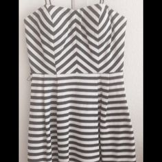 "FOREVER 21 Navy Blue Cream Strapless Striped Dress NEW WITH TAG  Size: Large 32"" approx. length from high point shoulder to hem, 37"" chest, 30"" waist Machine wash cold, tumble dry low Forever 21 Dresses Mini"