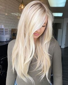 Blonde Hair Shades, Light Blonde Hair, Dyed Blonde Hair, Blonde Hair Looks, Platinum Blonde Hair, Light Hair, Blonde Balayage, Hair Color Guide, Beautiful Hair Color