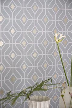 Gorgeous 'Laterza' geometric metallic wallpaper