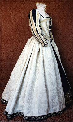 Cream Elizabethan Court Costume By Lynn McMasters