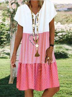 Ladies casual V-neck printed short sleeve dress - realyiyi.com Women's A Line Dresses, Types Of Dresses, Knee Length Dresses, Casual Dresses, Short Sleeve Dresses, Dresses With Sleeves, Dresses Dresses, Mini Dresses, Dresses Online