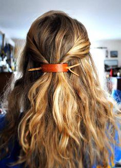 DIY: leather and branch/twig hair barrette-pinned by www.auntbucky.com #auntbucky #hair #DIY #fashion